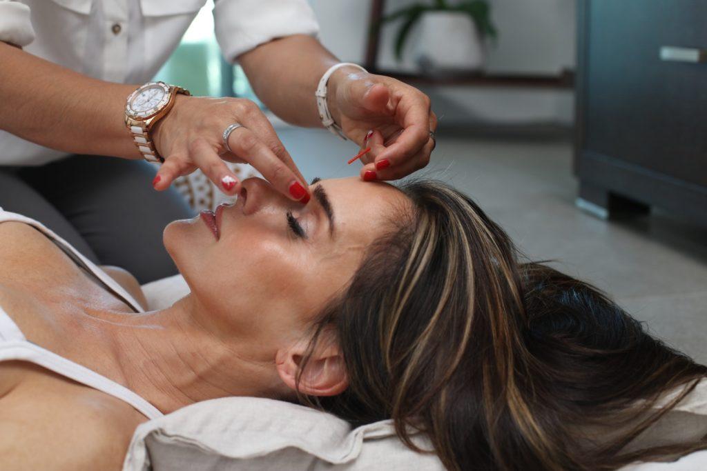 masaż liftingujący